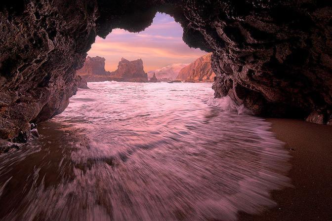 HL beach lava cave