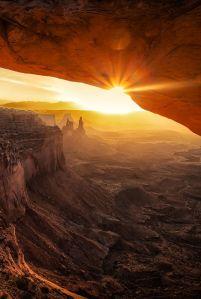 sunriseCanyonlandsbyMarcPerrella